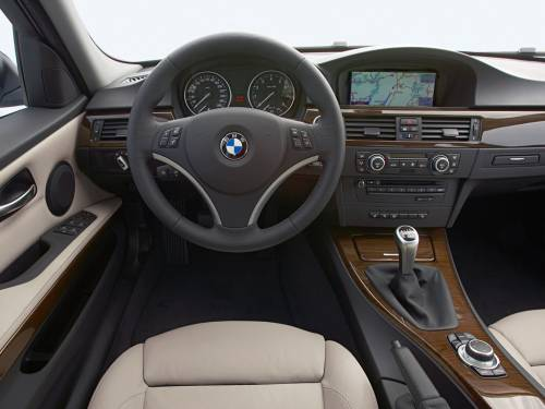 BMW 3 Series photo 2