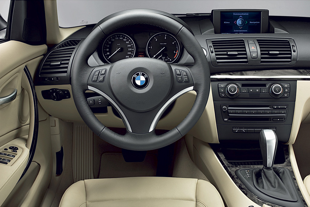 BMW 1 Series photo 2 1024x684