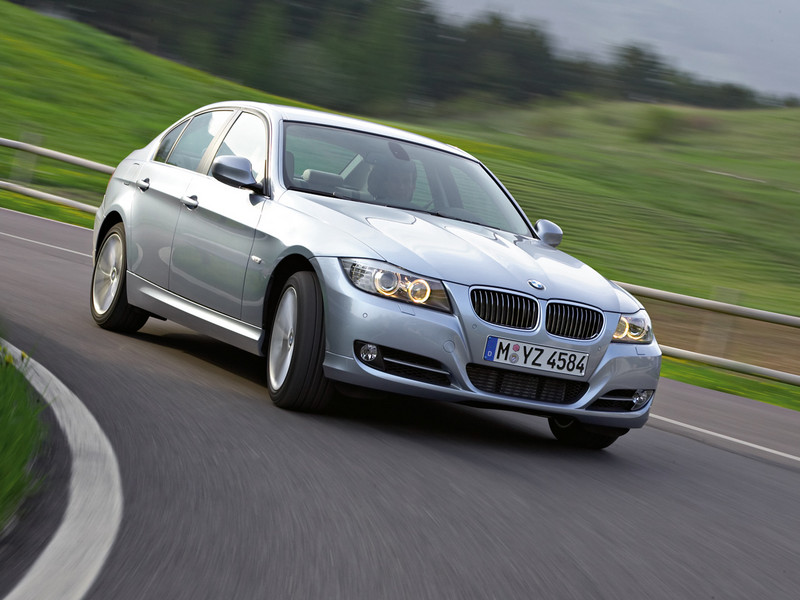 BMW 3 Series photo 5 800x600