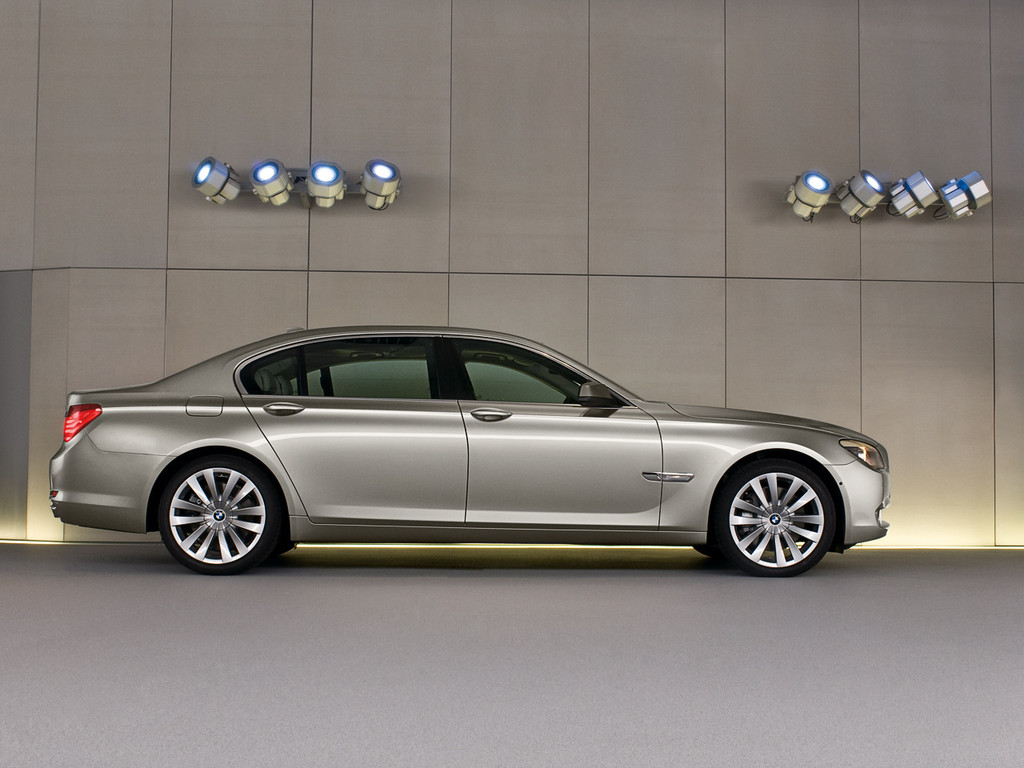 BMW 7 Series photo 6 1024x768