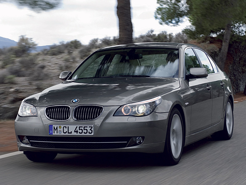 BMW 5 Series photo 9 800x600