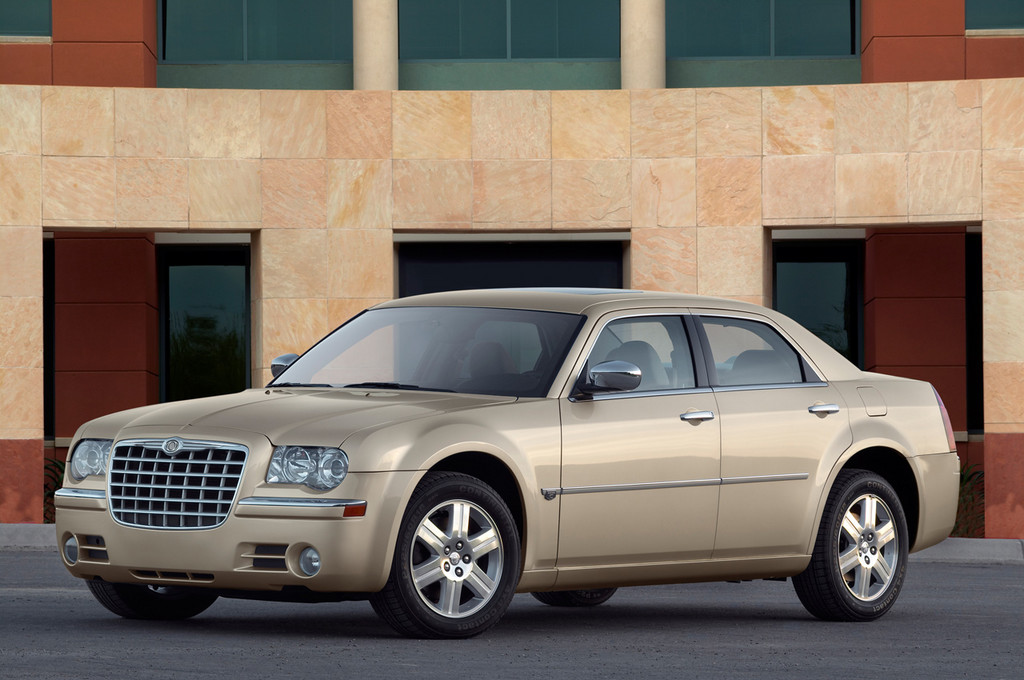 Chrysler 300C 6 1024x680